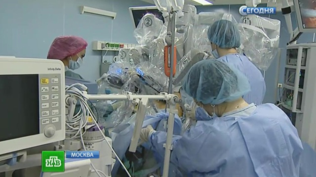 v-moskve-proveli-operaciyu-na-pecheni-s-pomoschyu-robota-da-vinci