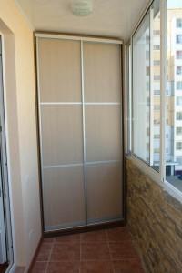 shkaf-kupe-na-balkon